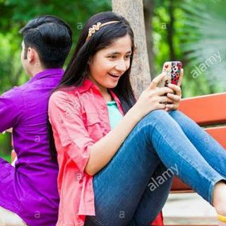 Girls chatting group👩💼👨💼